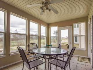 Golf front Branson condo w/Pool & close to all Branson has to offer (6-2) - Branson vacation rentals