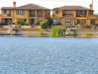Stunning Manteca Lake Front Luxury Home - Manteca vacation rentals
