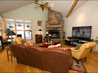 Located Right Next to the Moose Creek Lift - Teton Pines Club Access - Golf, Swimming, Tennis & Nordic Skiing (3735) - Jackson vacation rentals