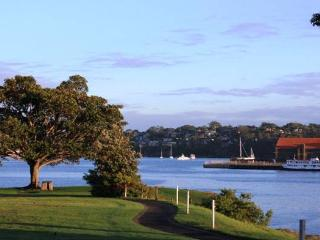 Quaint 2 bedroom cottage in beautiful Balmain - Balmain vacation rentals