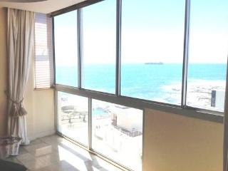 Beautiful well appointed Bantry Bay Apartment - Bantry Bay vacation rentals
