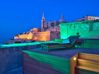 062 Waterfront Valletta house with Pool - Valletta vacation rentals
