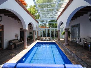 Cas Jacaranda (4 BDR/4 1/2 BTHR) in Guadiana area with Swimming pool - San Miguel de Allende vacation rentals