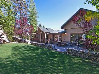 Renovated Luxury- LakeView, HotTub,by beach/casino - Lake Tahoe vacation rentals