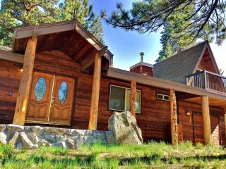 New Listing! Recently Renovated 3BR Lake Tahoe House W/Private Hot Tub - 10 Minutes to Heavenly & Sierra at Tahoe Ski Resorts! - South Lake Tahoe vacation rentals