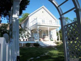 Sunset Beach....Shelter Island Farmhouse: Steps to Beach + Golf Course - Shelter Island vacation rentals