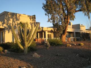 Tucson Omni National Townhouse Well-Priced - Woodston vacation rentals