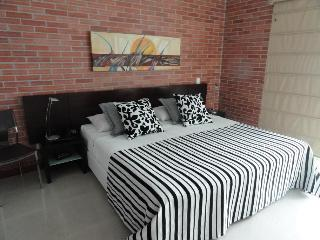 Lleras 605, Blux, 2b/2bath, Pool, Views, Location - Medellin vacation rentals