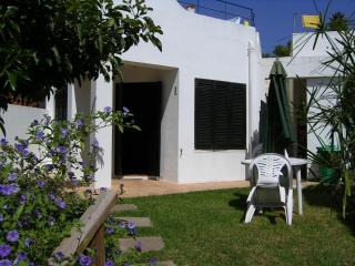 Beautiful and cosy studio in rural property, studio 2 - Lagos vacation rentals