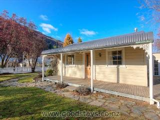 Nairn Cottage - Queenstown vacation rentals