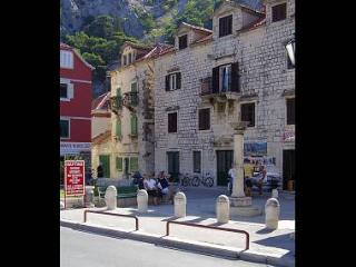 35551 A1(2+2) - Omis - Central Dalmatia vacation rentals