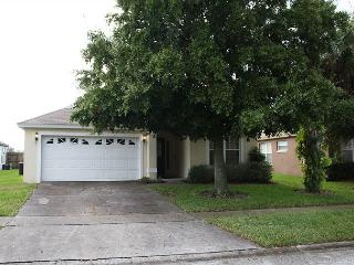 Very spacious vacation home, 3 miles from Disney, private pool, free Wi-Fi - Kissimmee vacation rentals