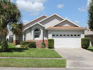 In popular Indian Creek, under 3 miles from Disney, private pool, free Wi-Fi - Kissimmee vacation rentals