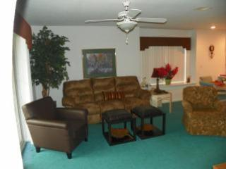Spacious walk-in level condo! Deals for June! - Image 1 - Branson - rentals