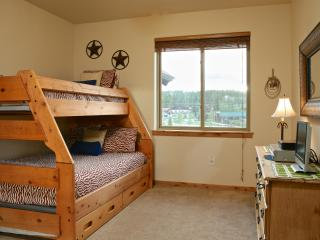 Trailhead Lodges 734: Balcony view of the mountains and Hideaway Park, conveniently located in downtown WP. - Northwest Colorado vacation rentals