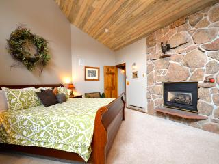 Winter Park Place 16: best of both worlds with tranquil setting yet only 1/3 mile from Winter Park Resort - Winter Park vacation rentals