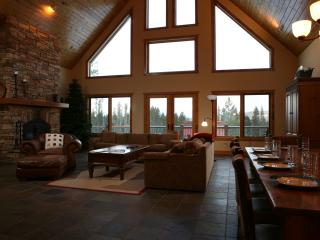 Fox Tracks Lodge: Peaceful  Rocky Mountain Getaway With Top Quality Furnishings & Amenities - Winter Park vacation rentals