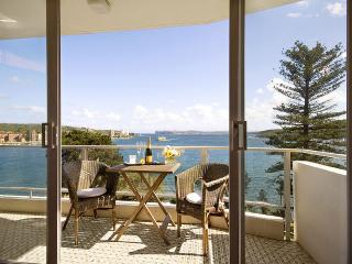 Manly Magic (Absolute Waterfront) - Sydney Metropolitan Area vacation rentals
