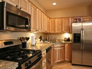 Telemark 516: Cozy & modern condo in the Telemark neighborhood of downtown Winter Park! - Winter Park vacation rentals