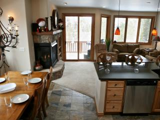 Riverwalk 201: Four floors of gorgeous mountain decor and only moments from downtown WP. - Winter Park vacation rentals