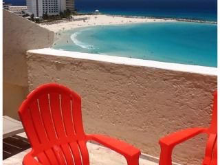 View from the balcony, the beach $80/nt up to 4 - Cancun vacation rentals