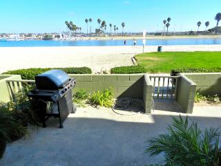 Idyllic House with 3 Bedroom/2 Bathroom in San Diego (3750 Bayside Walk #02) - San Diego vacation rentals