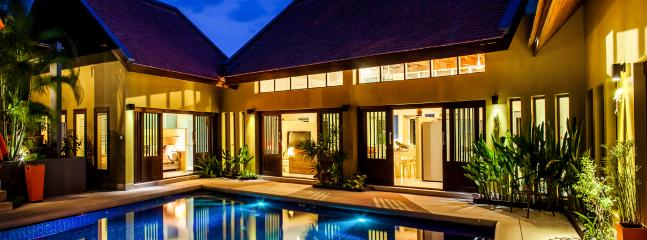 Palm View Villa at night - Private Villa, Pool and Jacuzzi, 700 mtrs to beach - Koh Samui - rentals
