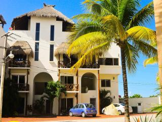 Lovely Condo One Block from Coco Beach - Playa del Carmen vacation rentals