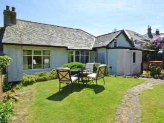 BYWELL, all ground floor, woodburning stove, off road parking, garden, in Rothbury, Ref 913216 - Rothbury vacation rentals