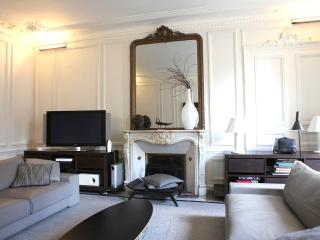 Luxury 3 bedroom apartment with A/C by Opera - Paris vacation rentals