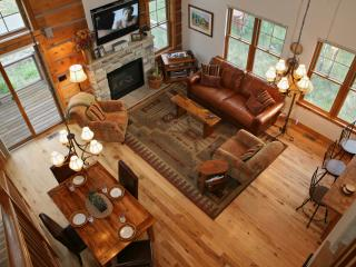 Rendezvous Friendship Cabin: Quietly secluded in the coveted Rendezvous neighborhood, yet only a short drive from downtown Winte - Fraser vacation rentals