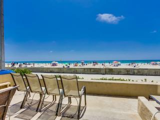 Wow! 50' OCEAN FRONTAGE, **Private HOT TUB** - Mission Beach vacation rentals
