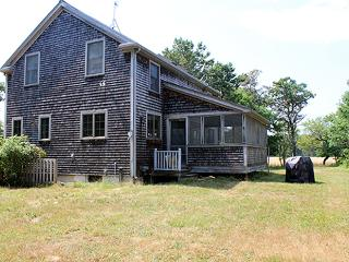 1622 - CASUAL COMFORT,PASTORAL SETTING MINUTES FROM THE SEA. - Chappaquiddick vacation rentals