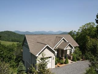 A Grandview stunning mountain home, top of the world views, sleeps 6 - Blowing Rock vacation rentals