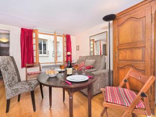 Heart of Paris Studio Charmer - ID# 100 - Paris vacation rentals