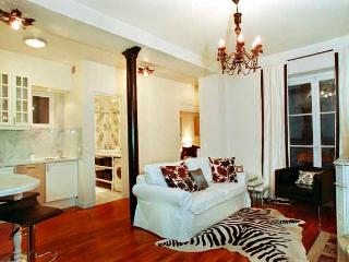 Chez St. Croix Two Bedroom - ID# 157 - Paris vacation rentals