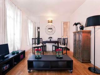 Market Street Two Bedroom - ID# 195 - Paris vacation rentals