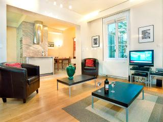 Paris is Always a Good Idea One Bedroom - ID# 203 - Paris vacation rentals
