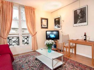 Rue Turennes One Bedroom - ID# 228 - Paris vacation rentals