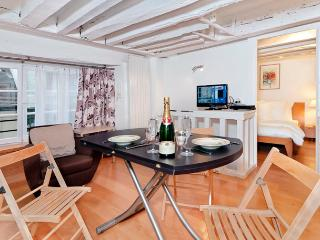 Cobblestone Delight St. Germain One Bedroom - ID# 254 - Paris vacation rentals