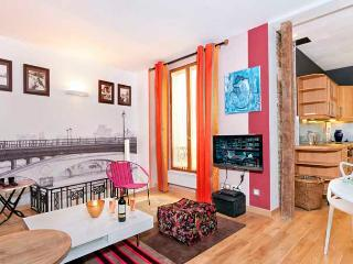 Pied-a-Terre Near St. Germain! - ID# 262 - Paris vacation rentals