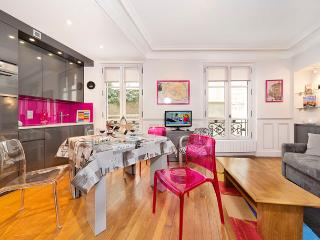 Arch de Triomphe-Champs Elysees Two Bedroom - ID# 294 - Paris vacation rentals