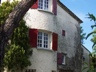 Cosy holiday home for 4 people near Uzès  with private pool - FR-1078917-deaux - Gard vacation rentals