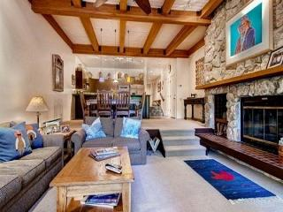 The Ridge 17 with 3 Bedrooms, Sleeps 6, Communal Hot Tubs, Swimming Pool and Fitness Room - Park City vacation rentals