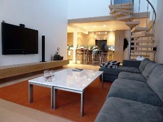 A Ski in / Ski out penthouse vacation condo in Vail with a private roof-top hot tub. Get excited about a Vail ski vacation of a  - Vail vacation rentals