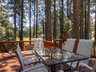 #192 COTTONWOOD Oustanding home on 16th Fairway of Plumas Pines Golf Resort $240.00- $275.00 BASED ON 4 PERSON OCCUPANCY AND NUM - Plumas County vacation rentals