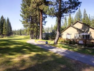 #101 COTTONWOOD Fantastic Large Home with extra Apartment $260.00-$295.00 BASED ON FOUR PEOPLE OCCUPANCY AND NUMBER OF NIGHTS (p - Shasta Cascade vacation rentals