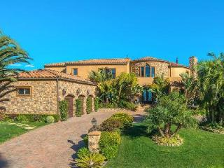 Malibu Vista, offers panoramic coastline & ocean views, lush grounds, pool & spa - Malibu vacation rentals