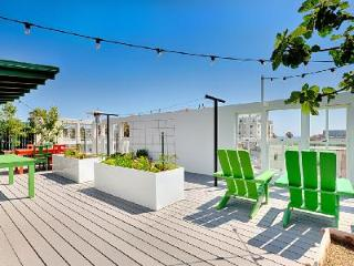 Close to the beach, Venice Beach Retreat provides luxurious amenities and complete privacy - Santa Monica vacation rentals