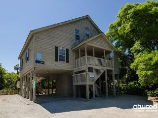 Lolligaggin' - Spacious Family Home Close To the Beach - Edisto Beach vacation rentals
